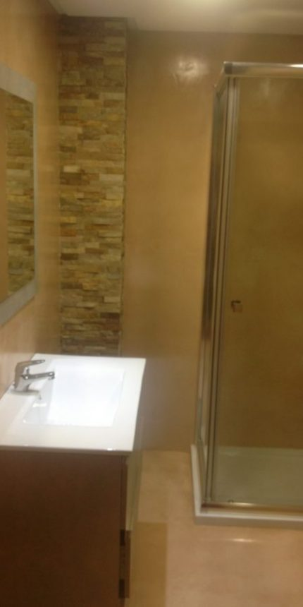 Colocación de plato de ducha en Baño