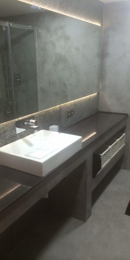 Trabajo Reforma de Baño en Aldaia con Microcemento